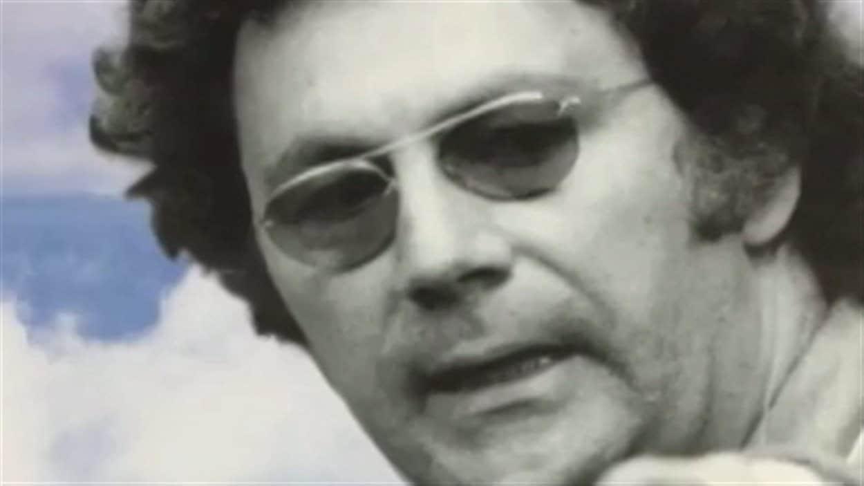Détail de la couverture de la biographie de Claude Jutra