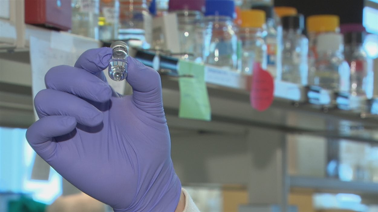 Un flacon dans lequel on conserve un virus