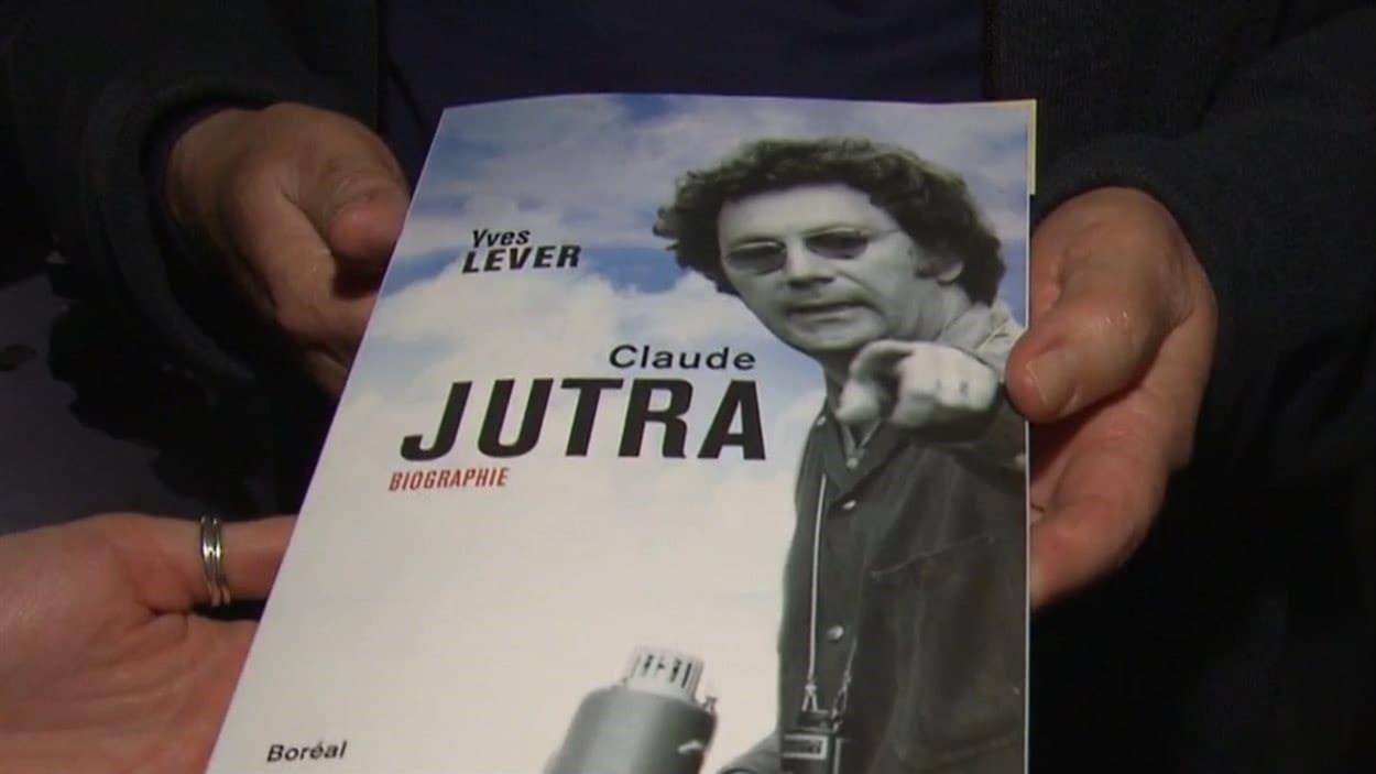 Les révélations contenues dans livre <em>Claude Jutra</em> d'Yves Lever ont suscité de nombreuses réactions dans le monde du cinéma et provoqué des remous médiatiques sans précédent.