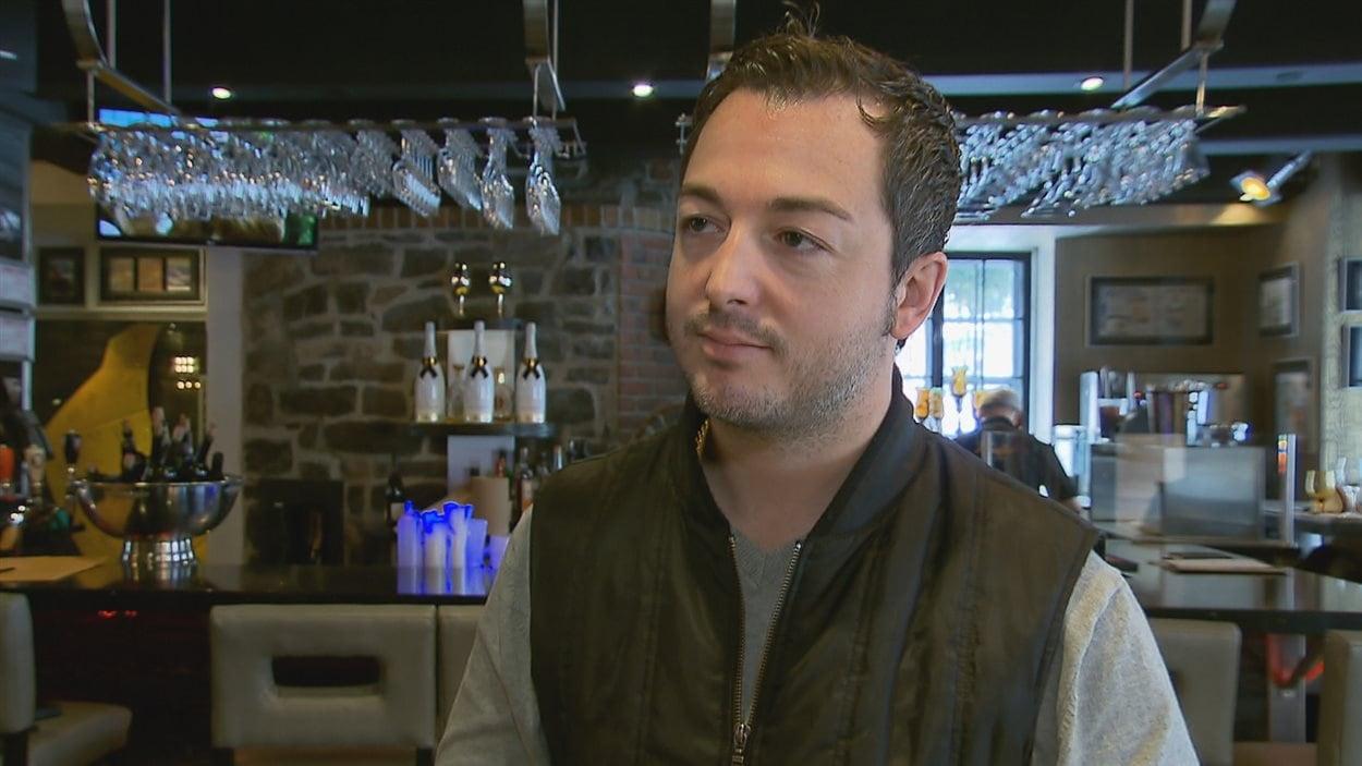 Yannick Parent, propriétaire du Bello, a décidé de prendre le numéro de carte de crédit des clients lors de réservations de plus de six personnes.
