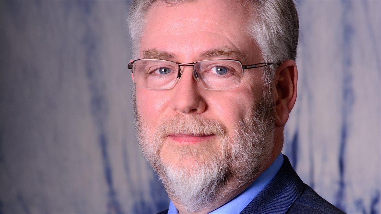 Clark McAskile, président du conseil scolaire public de Vermillion.