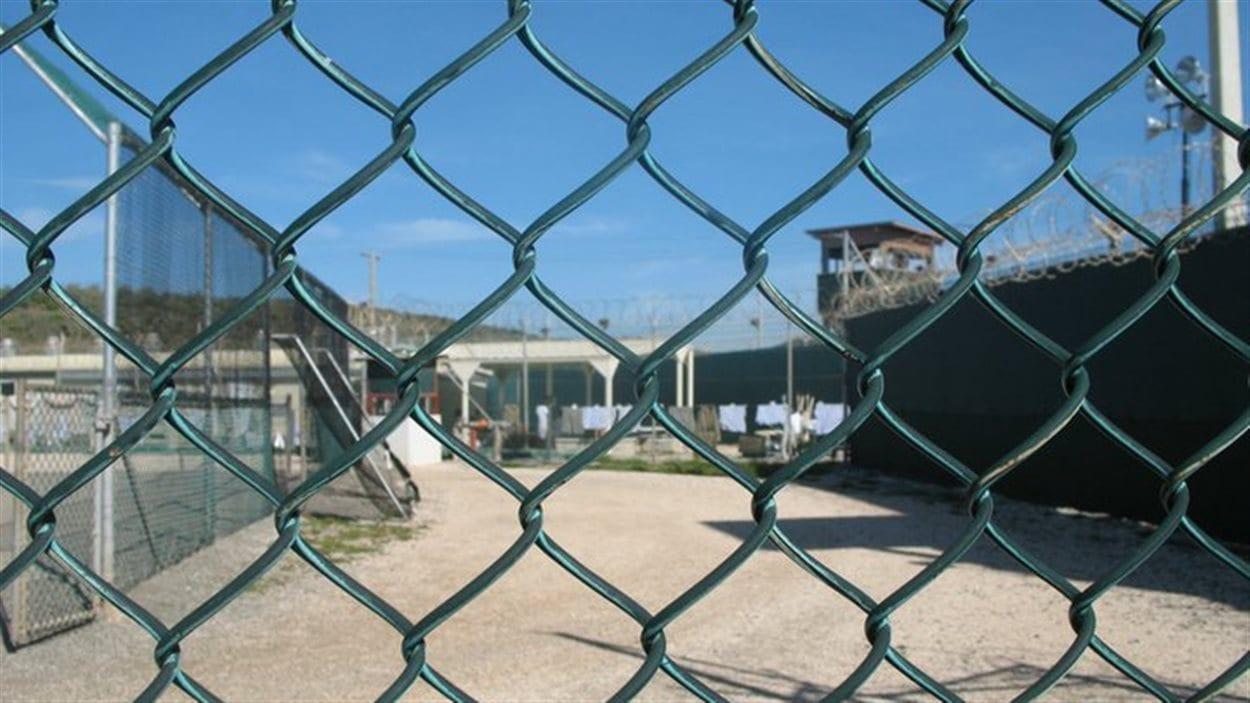 La prison de Guantanamo est l'une des mieux gardée de la planète.