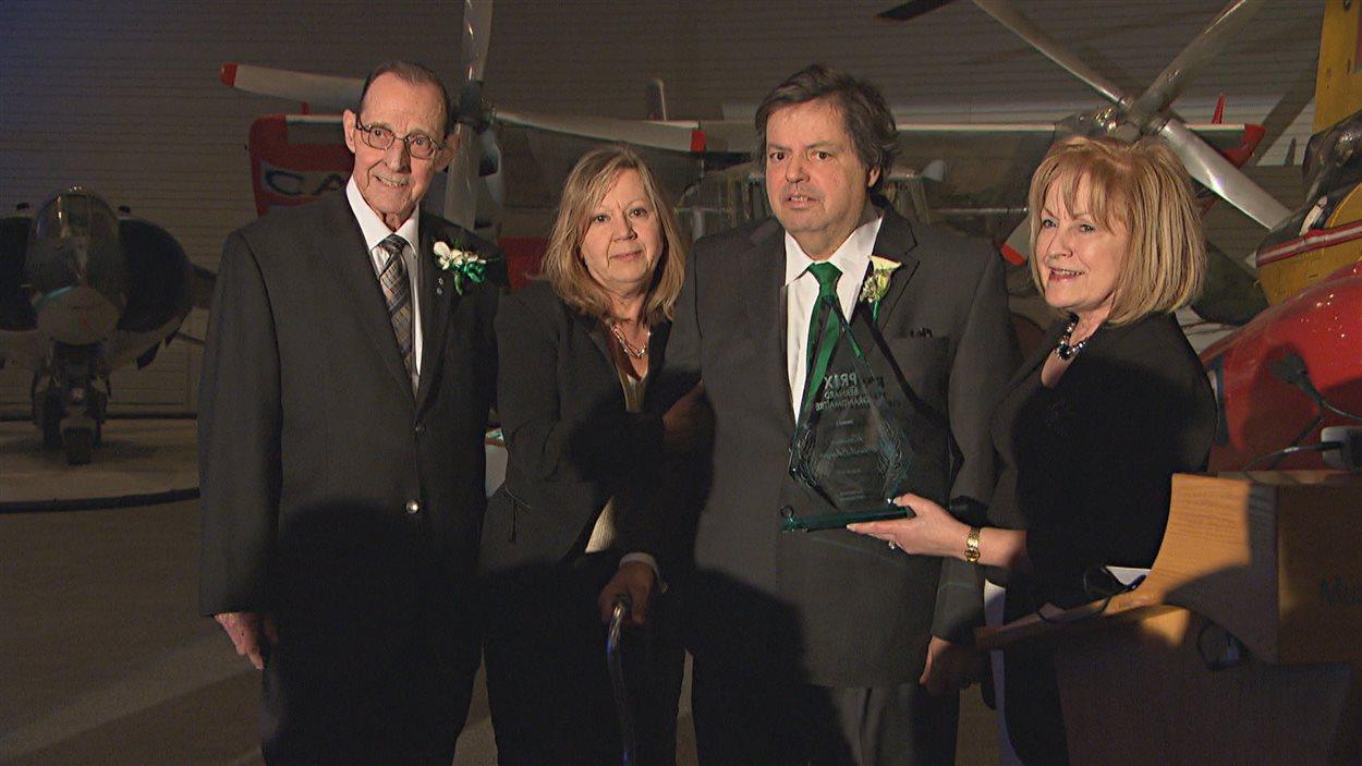 Le député d'Ottawa-Vanier, Mauril Bélanger lors de la remise du prix Bernard-Grandmaître.