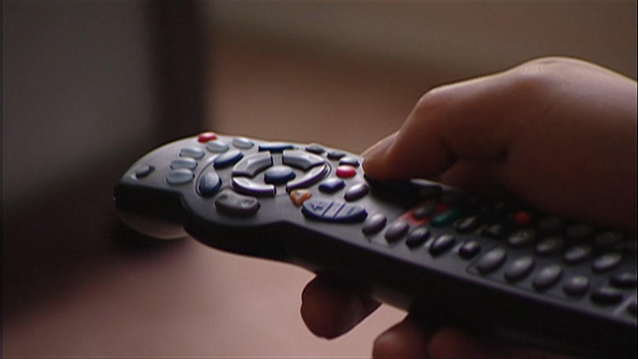 Une télécommande d'un fournisseur de contenu télévisuel