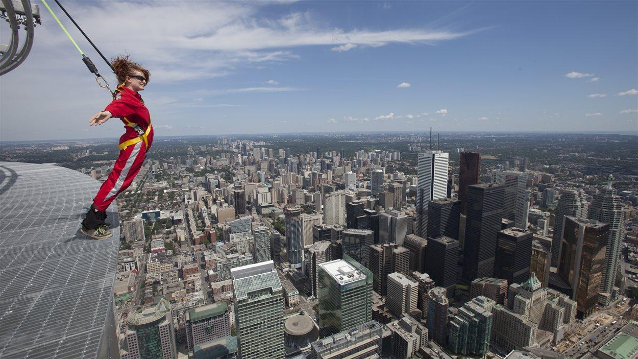Les harnais de la Tour du CN et leur vue imprenable sur Toronto