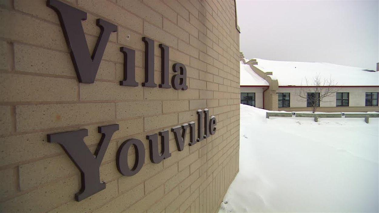 La direction de la Villa Youville, un centre pour aînés situé à Saint-Anne a pourvu l'ensemble de ces postes vacants en embauchant des employés bilingues.