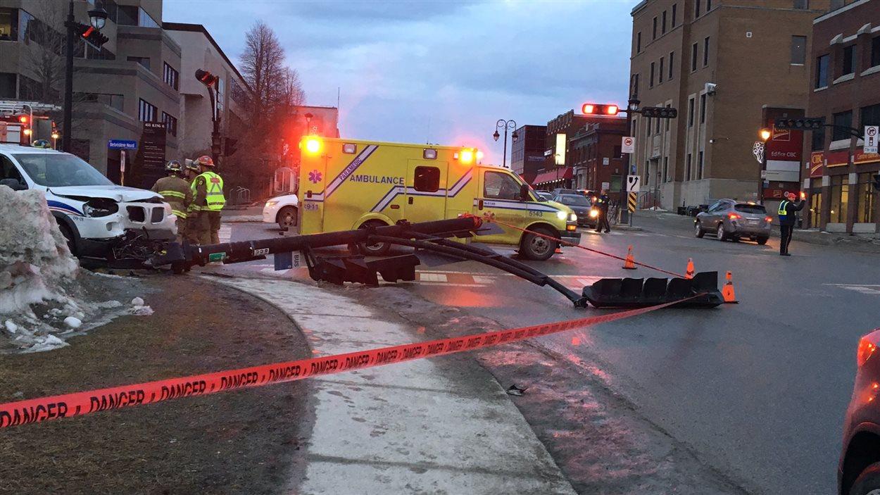 Un accident de circulation survenu au coin des rues King et Belvédère