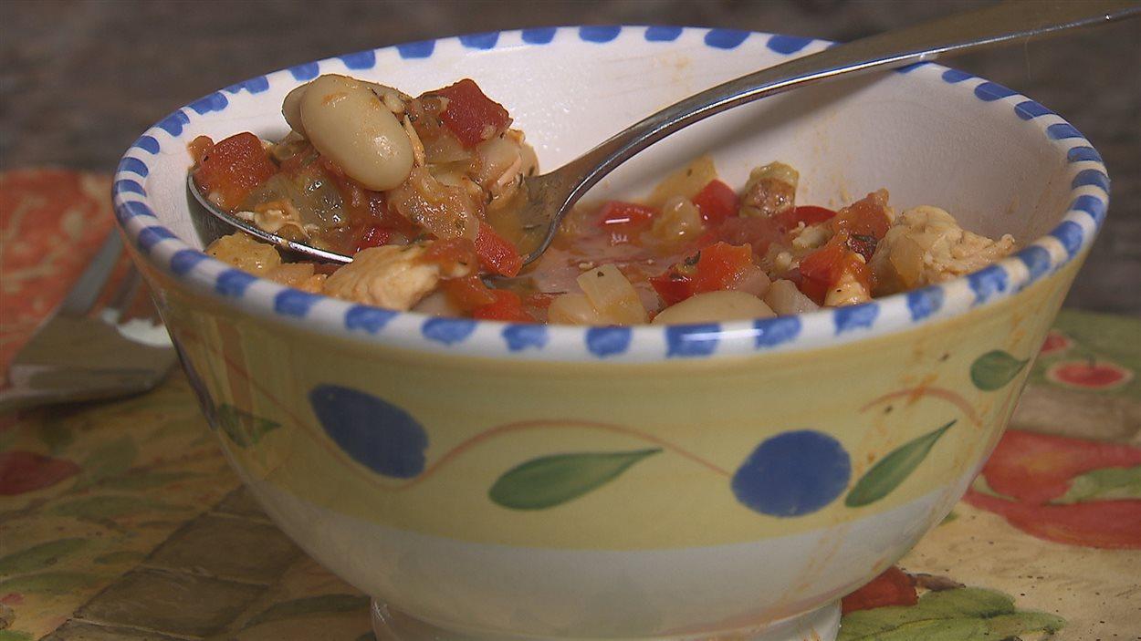 Un chili sucré peut être une bonne manière d'introduire les légumineuses aux enfants selon Chantal Poirier.
