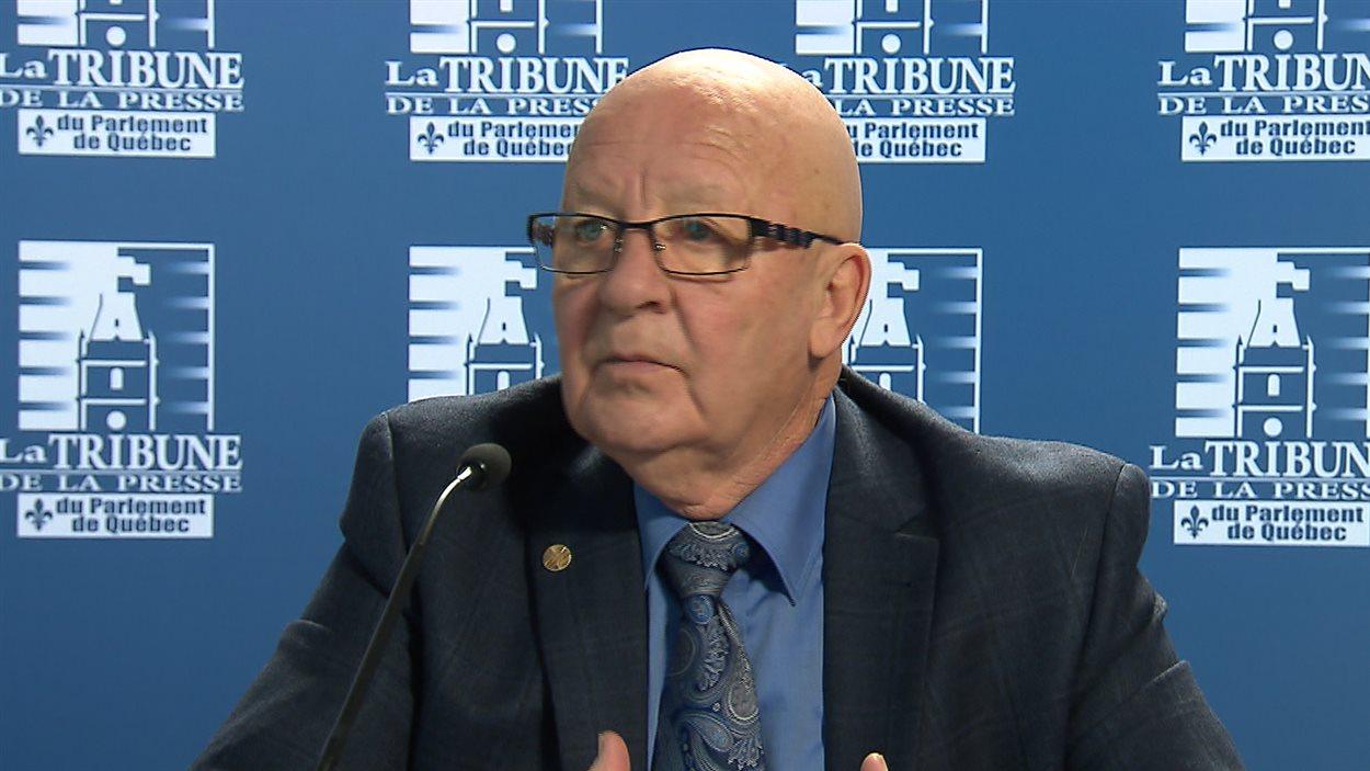 L'ancien député et ministre péquiste, Guy Chevrette, est porte-parole de l'industrie du taxi.