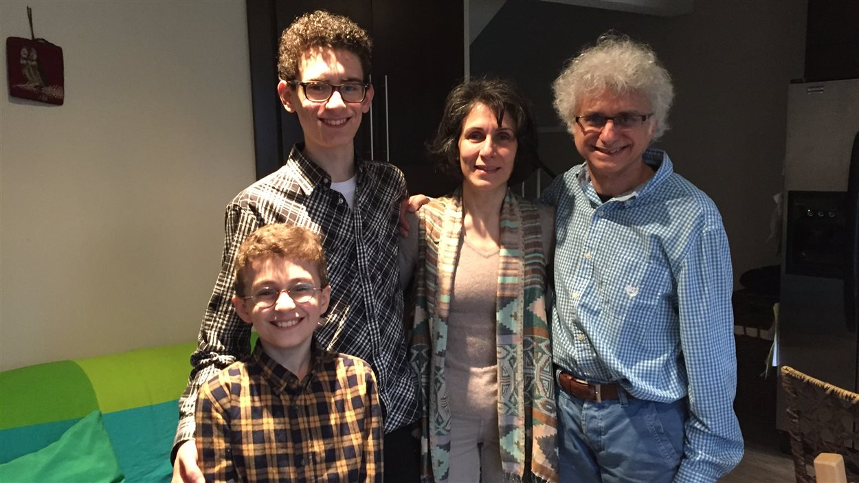 La famille de Siamak Ebrahimi de North Vancouver