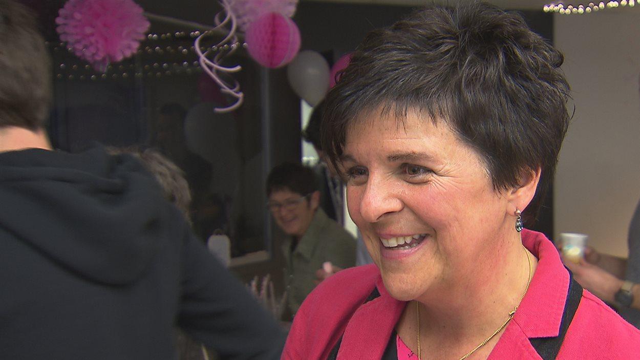 Marie Fortier infirmière, offre des cours prénataux en ligne gratuitement grâce à deux nouveaux partenaires