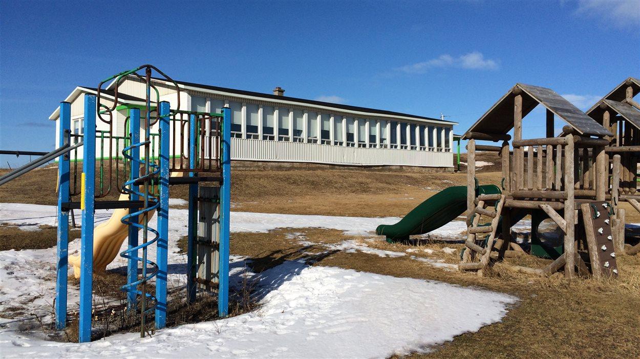 L'école de l'île d'Entrée, fermée depuis juin 2015