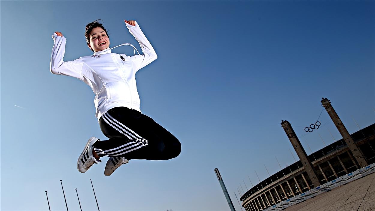 Yusra Mardini près du stade olympique de Berlin