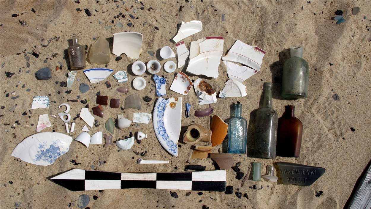 Quelques-uns des artéfacts trouvés à l'île de Sable. lors d'un relevé, l'été dernier.