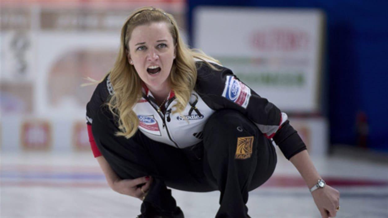 Chelsea Carey mène le Canada à une victoire le Danemark au Championnat mondial de curling féminin