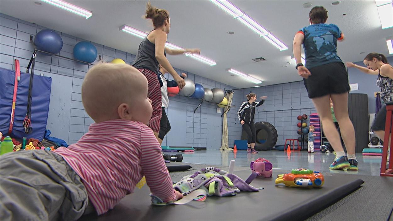 Des nouvelles mamans ont tendance à se remettre trop rapidement à des activités physiques intenses.