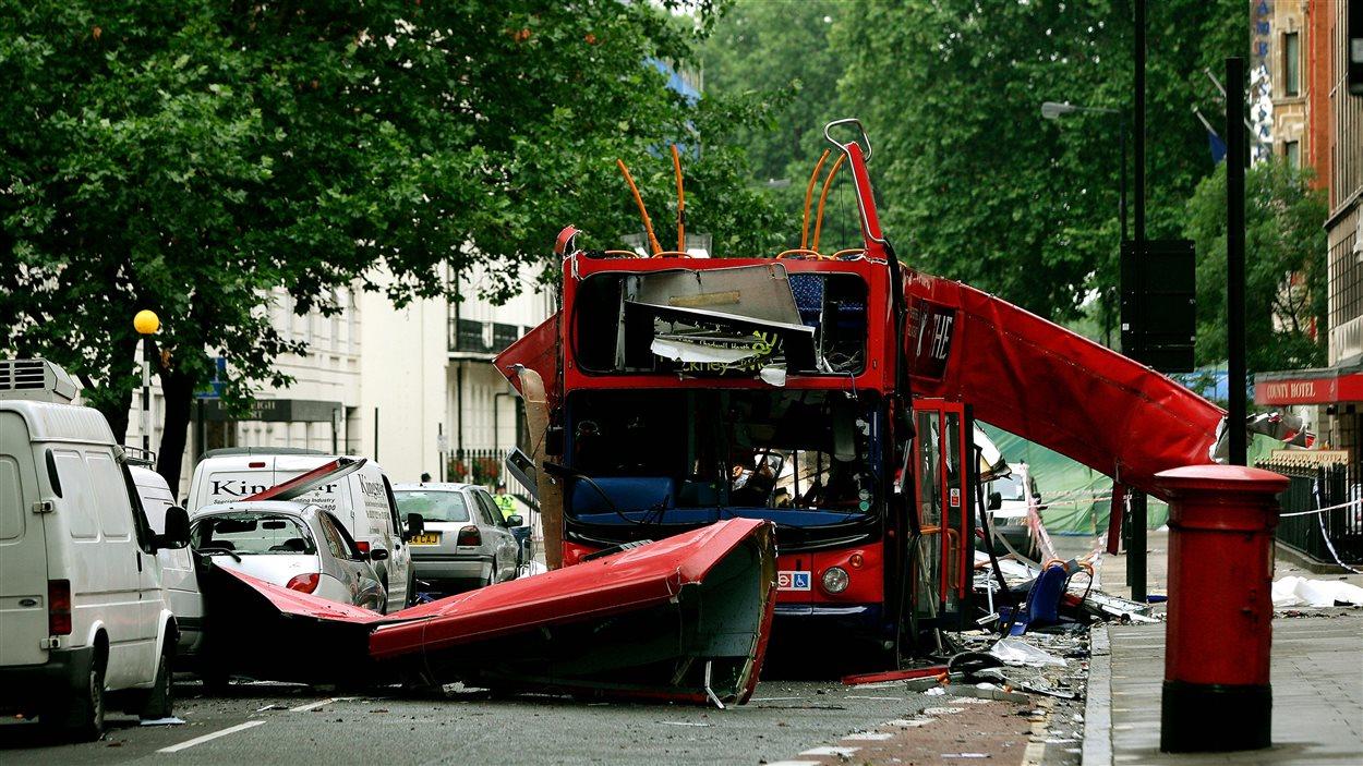 L'explosion dans un autobus à deux étages a eu lieu à Woburn Square, à Londres.