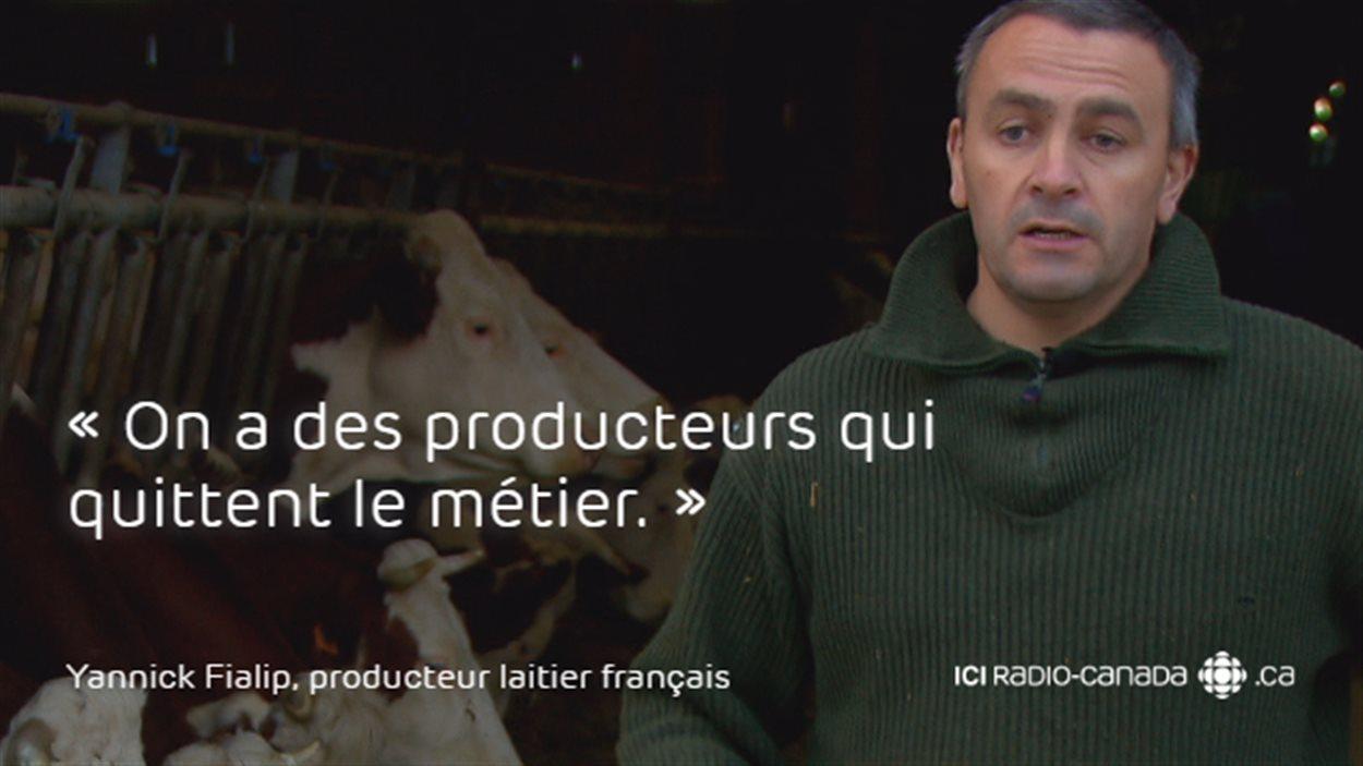 «On a des producteurs qui quittent le métier», déplore Yannick Fialip, propriétaire d'un troupeau laitier à Espalem, en Haute-Loire