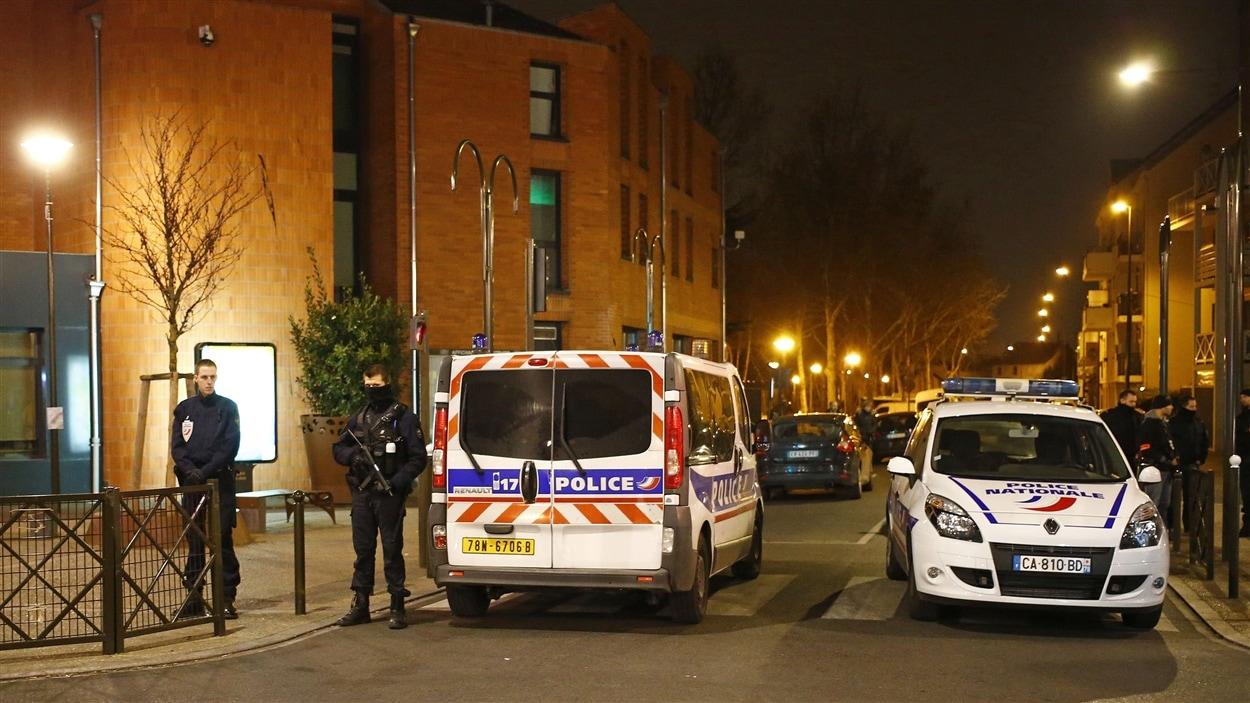 D'autres perquisitions ont aussi eu lieu jeudi ailleurs en France.