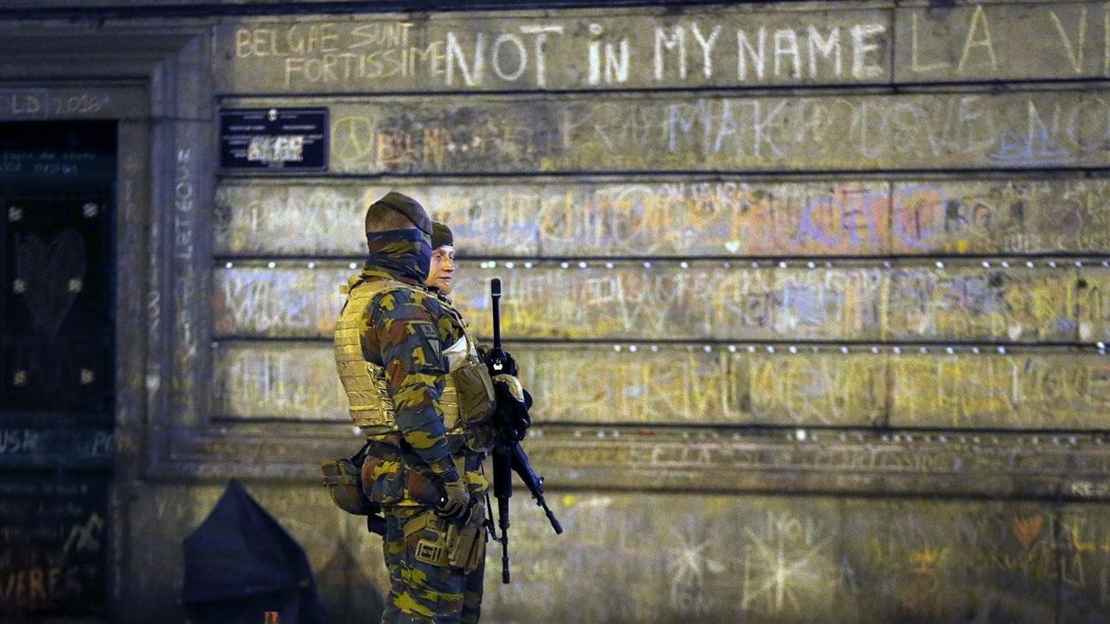 Des soldats belges à Bruxelles.