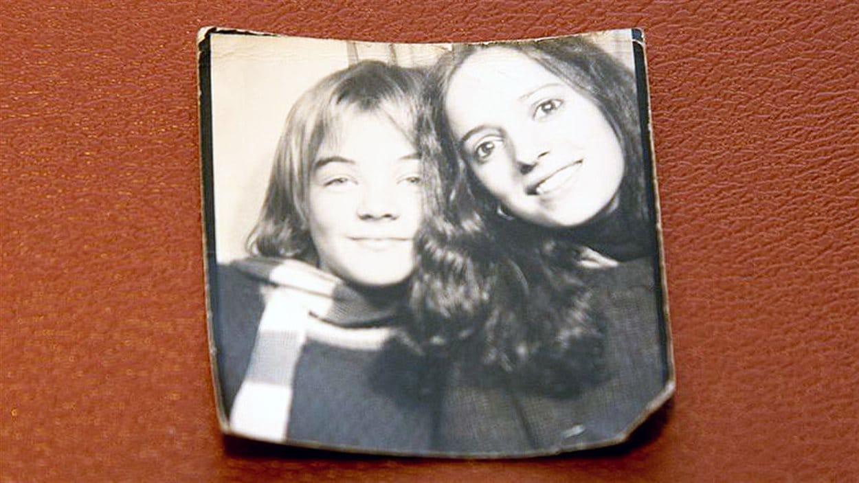 Photo de Marcia Pilote et d'Anne-Marie Séguin à l'adolescence