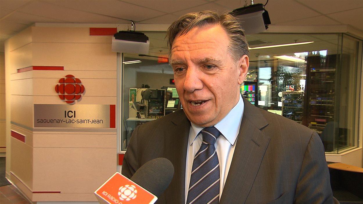 Le chef de la CAQ, François Legault, estime que le gouvernement doit effectuer une veille des 25 à 30 principaux sièges sociaux québécois afin de les maintenir dans la province.