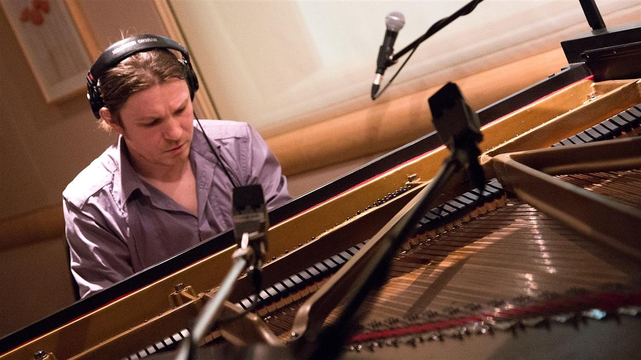 Roman Zavada propose ses pièces au piano inspirées des beautés du Grand Nord