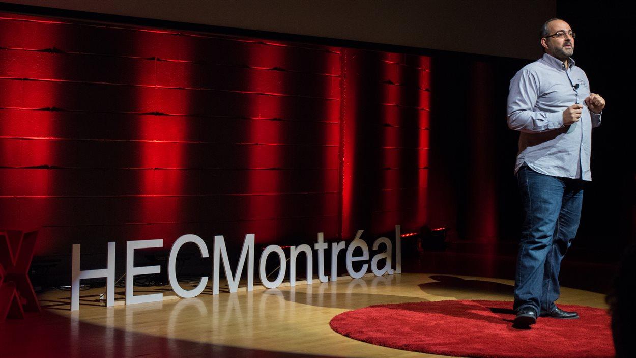 Olivier Hernandez, lors de l'événement TEDxHECMontréal 2016