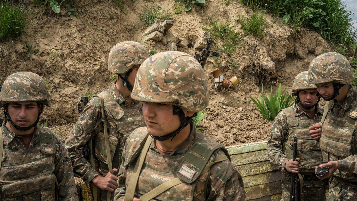 Des soldats du Haut-Karabakh