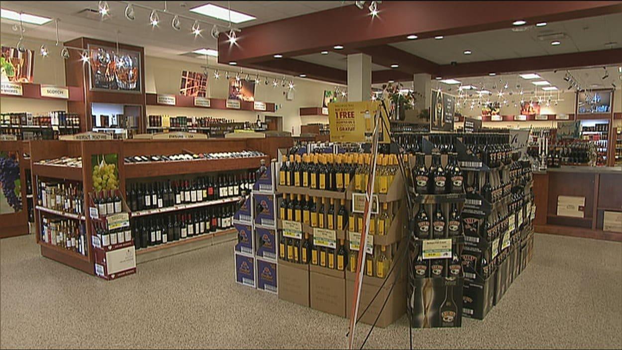 Des étalages de vin