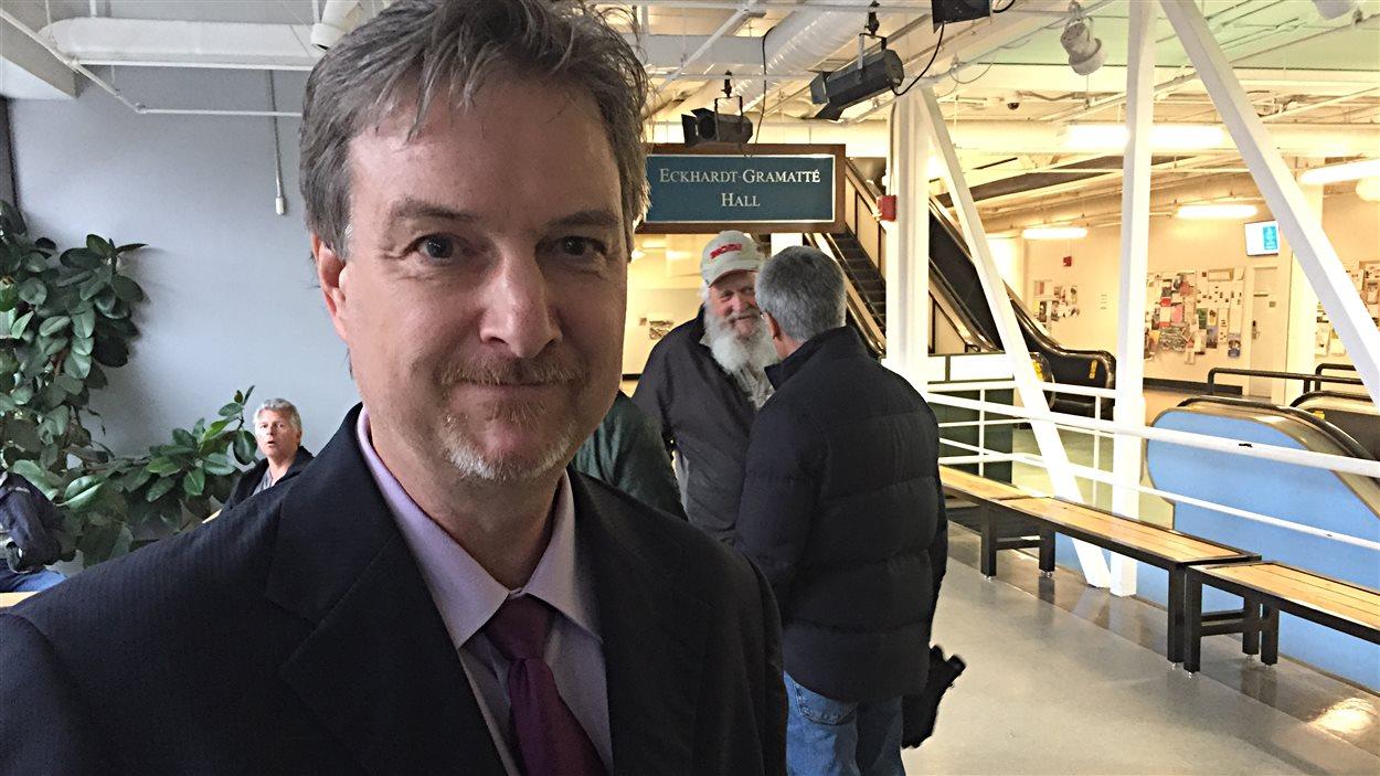 Le professeur de biologie Scott Forbes s'inquiète que peu d'employés surveillent les lacs du Manitoba.