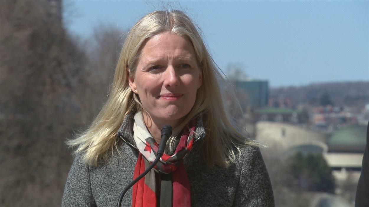 La députée Catherine McKenna se dit en faveur des centres d'injection supervisée.