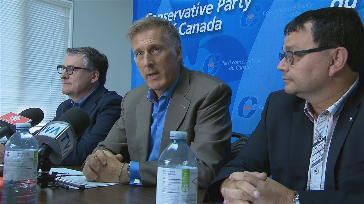 Maxime Bernier se lance dans la course à la direction du Parti conservateur.
