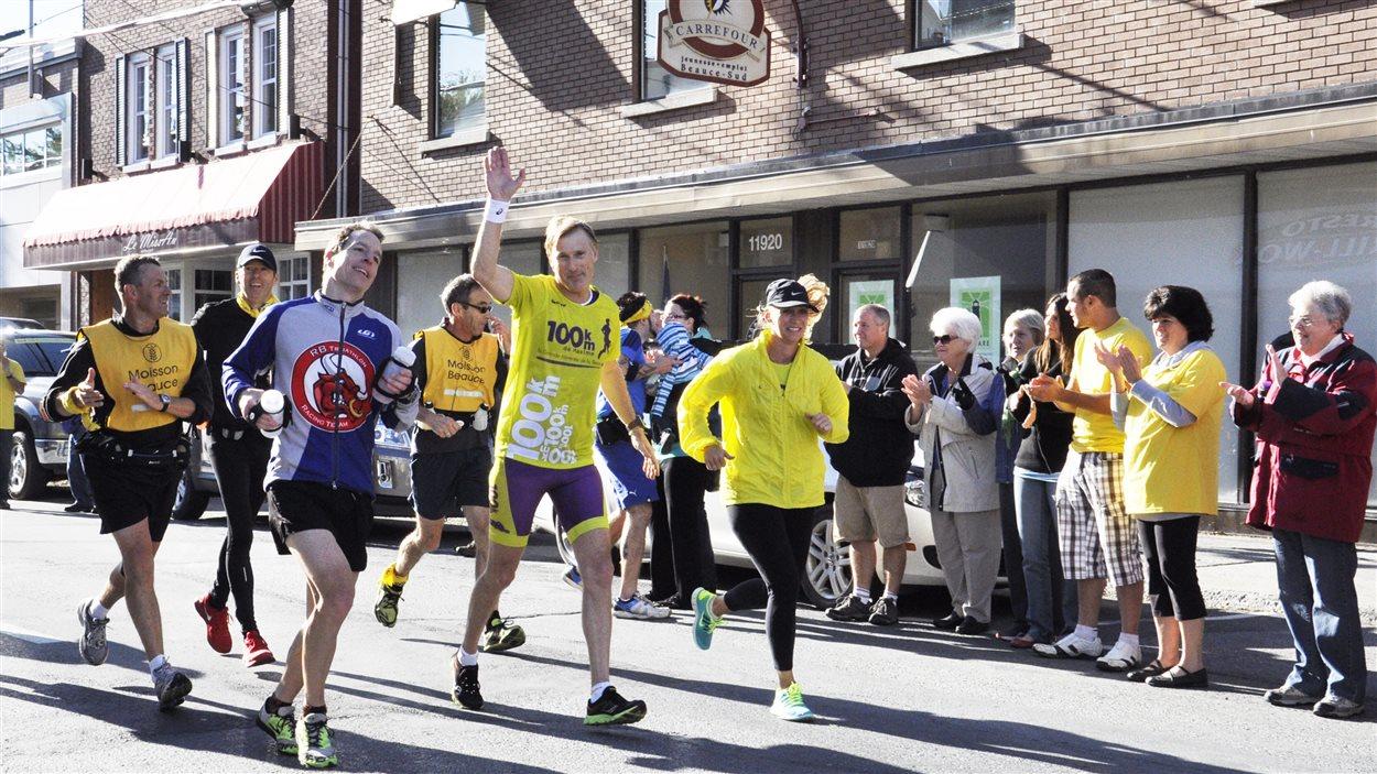 Maxime Bernier a traversé sa circonscription à la course le 28 septembre 2013