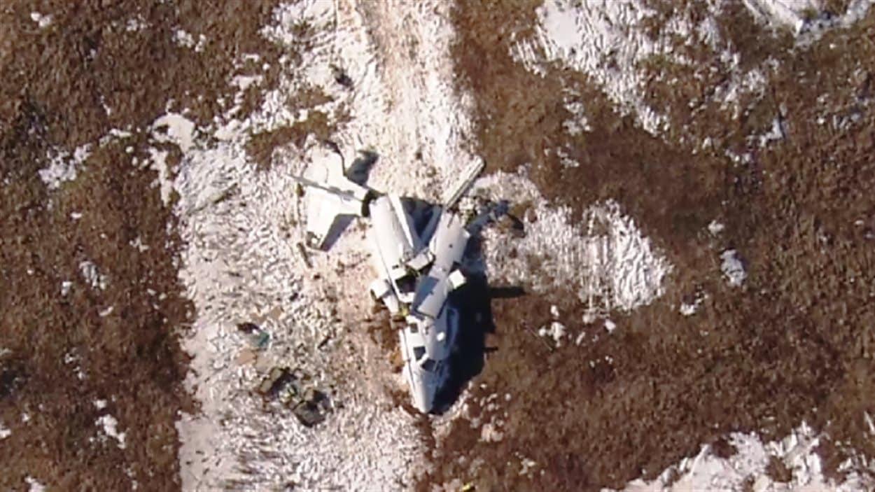 Photo aérienne des lieux de l'écrasement et de l'avion dans lequel prenait place la famille Lapierre.