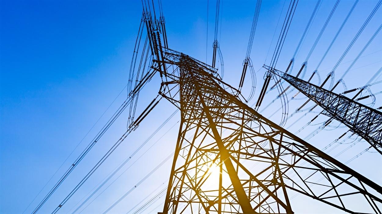 Analyse de la politique énergétique avec Pierre-Olivier Pineau, professeur et titulaire de la Chaire de gestion du secteur de l'énergie à HEC Montréal.