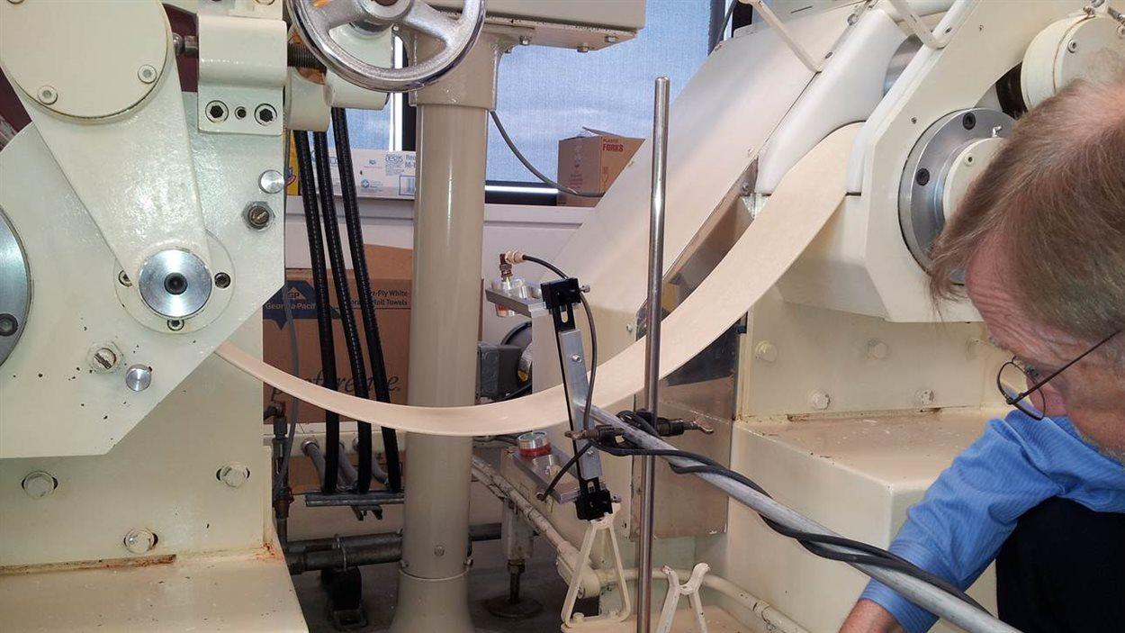 Un prototype de l'appareil ultrason qui mesure l'inconsistance de la pâte.
