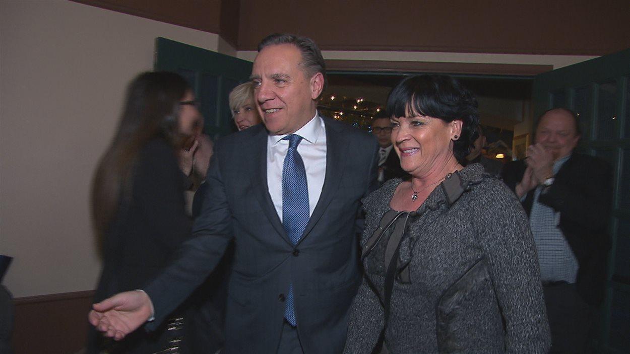 Le chef de la CAQ, François Legault et la candidate Hélène Girard