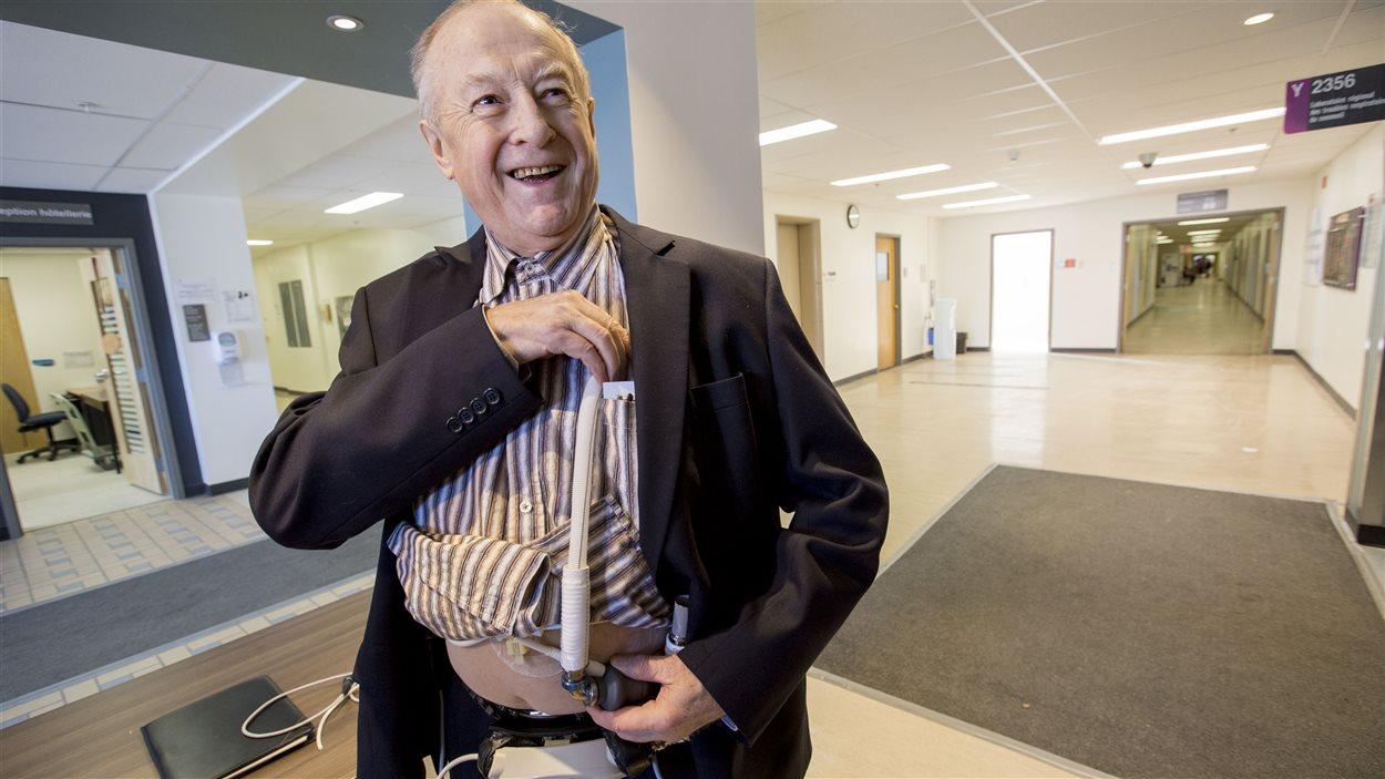 Marc Thomassin présente un dispotif de coeur mécanique