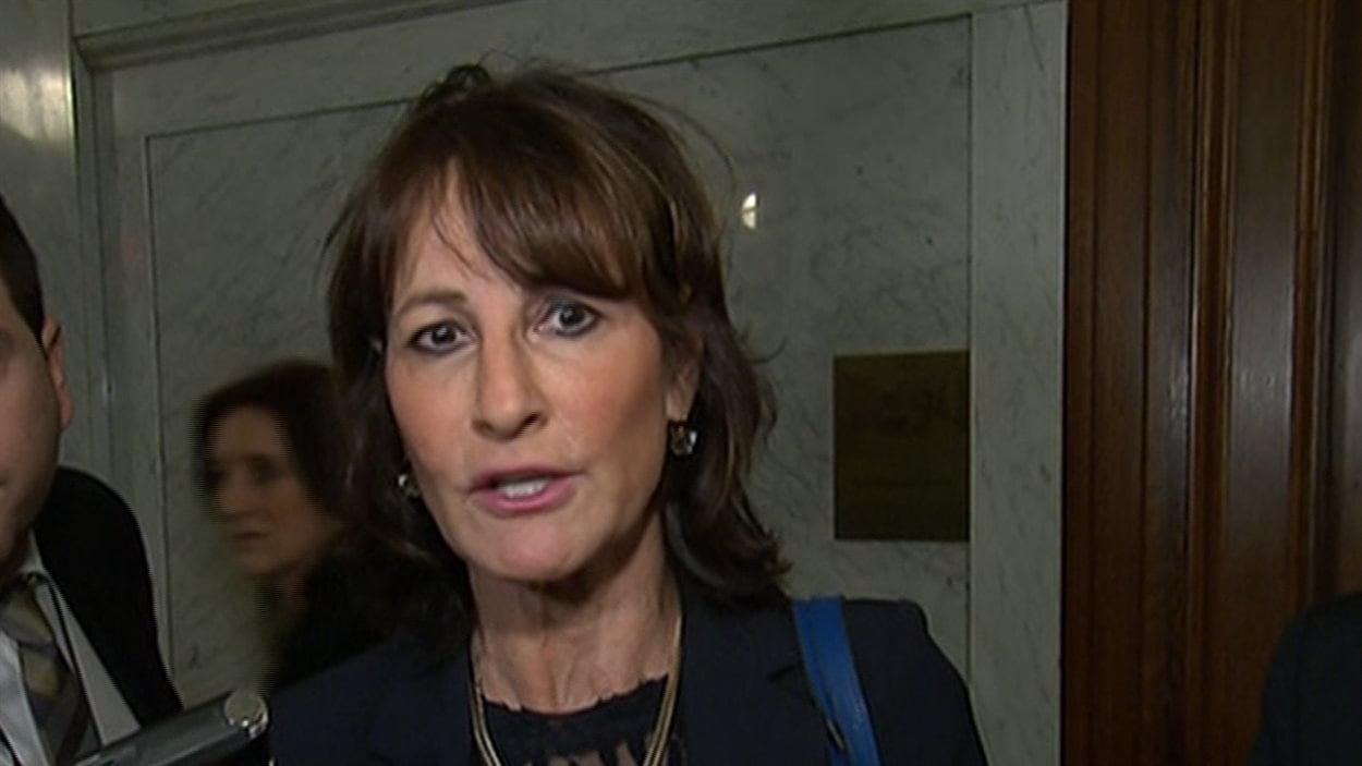 La ministre de l'Immigration, Kathleen Weil, soutient que le premier ministre n'a jamais situé dans le temps une éventuelle augmentation des seuils d'immigration.