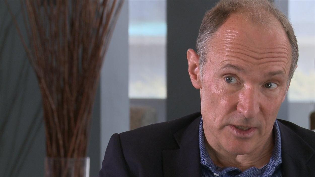 Tim Berners-Lee, principal fondateur du World Wide Web, lors d'une entrevue accordée à Radio-Canada en avril 2016