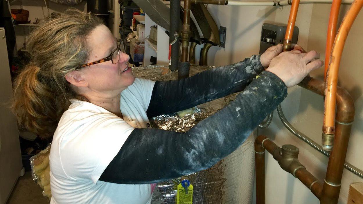 Tammy Buchanan, copropriétaire de Small Jobs Plumbing, en N.-É.