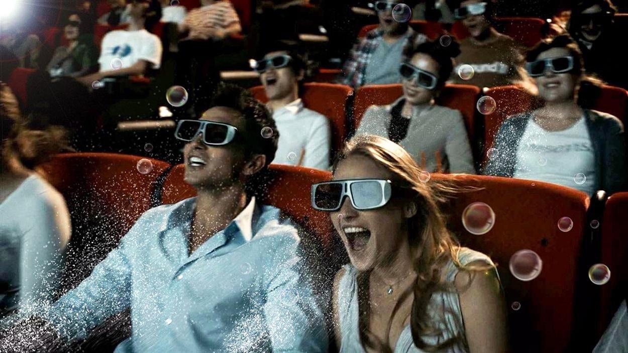 Une séance de technologie 4DX dans un cinéma