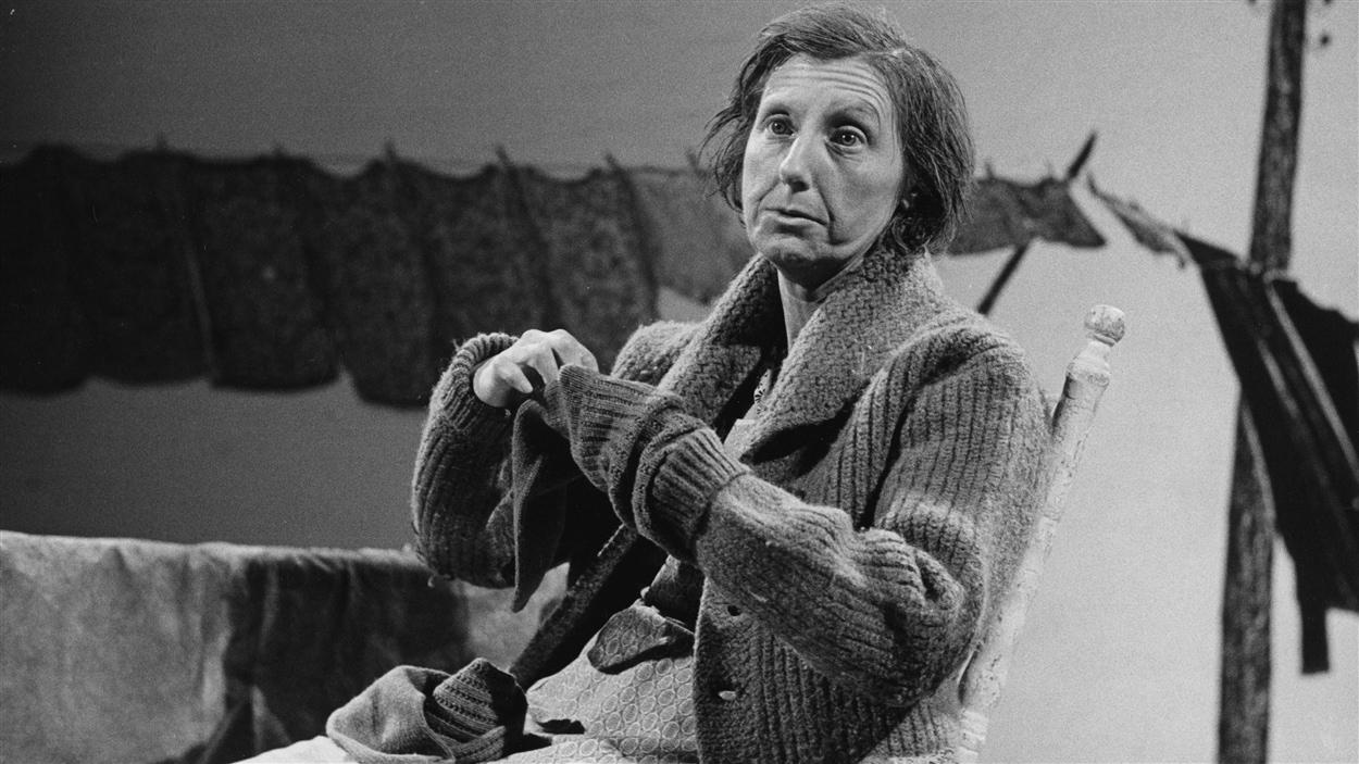 Viola Léger incarnant La Sagouine en 1975