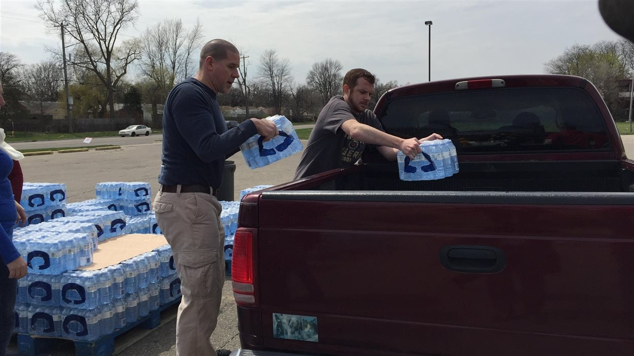 Distribution d'eau potable à Flint, au Michigan