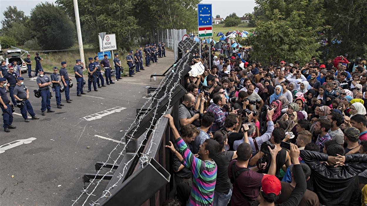Selon des informations, 500 migrants seraient morts dans un transfert de bateaux de fortune autour du 16 avril.  Discussion avec François Crépeau, professeur de droit à l'Université McGill et rapporteur spécial des Nations unies sur les droits de l'homme des migrants