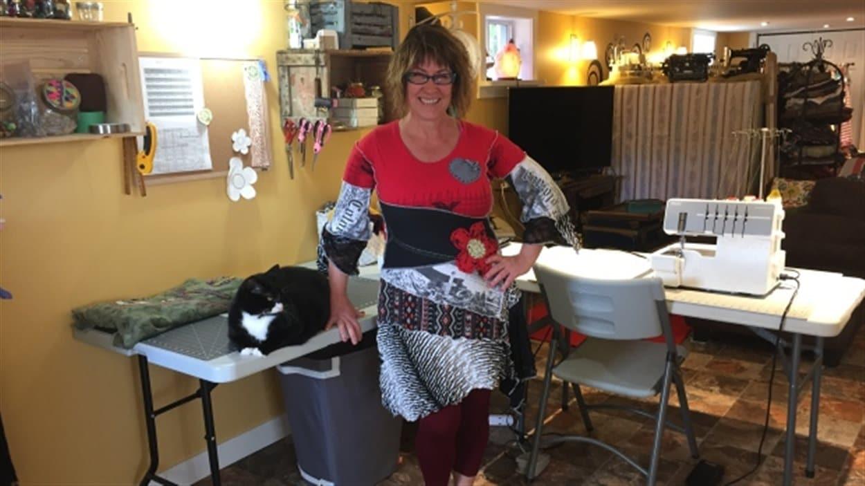 Line Roy, dessinatrice de mode et propritétaire de Revived and Recycled à Thunder Bay