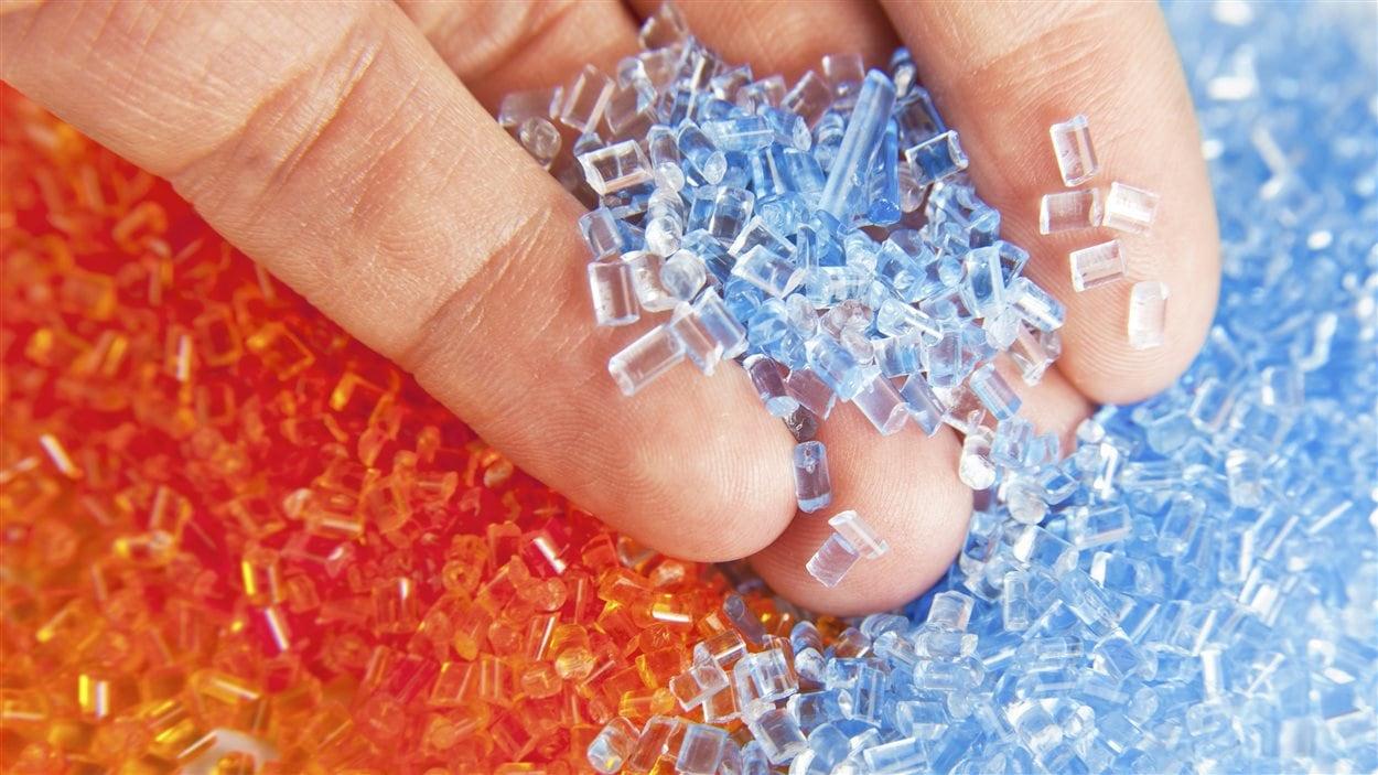 Certains plastiques peuvent être renforcés avec des nanoparticules.
