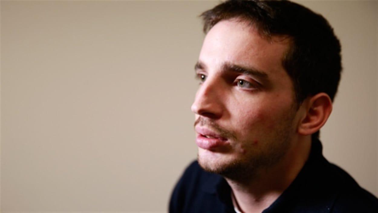 Landon Webb croit que sa vie ne devrait pas être contrôlée par la loi provinciale sur les personnes inaptes.