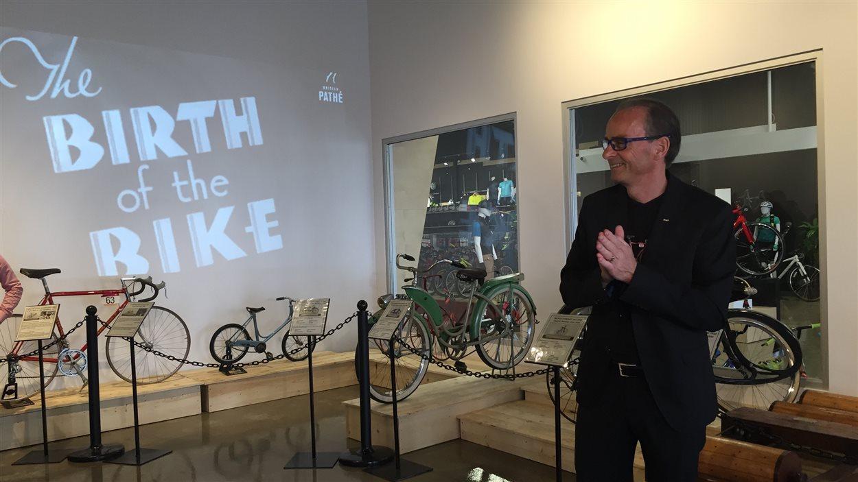 Louis Garneau rêvait d'avoir une galerie d'art et d'exposer des vélos antiques.